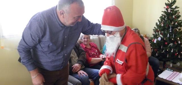 Božićna radionica i Djed Božićnjak u Crvenom križu